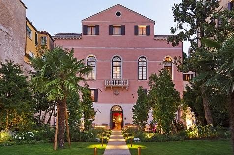 Palazzo Venart In Venice Exudes Palatial Michelin Opulency